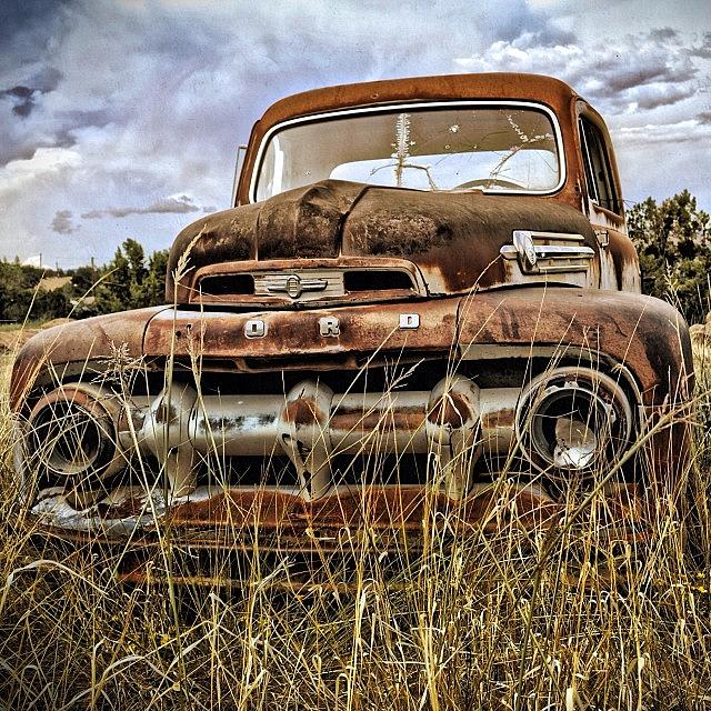 Abiquiu Photograph - Abandoned Truck ~ Abiquiu, New Mexico by Gia Marie Houck