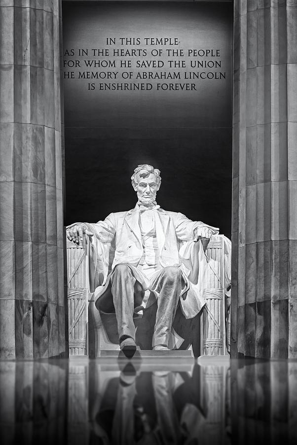 Abraham Lincoln Photograph - Abraham Lincoln Memorial by Susan Candelario