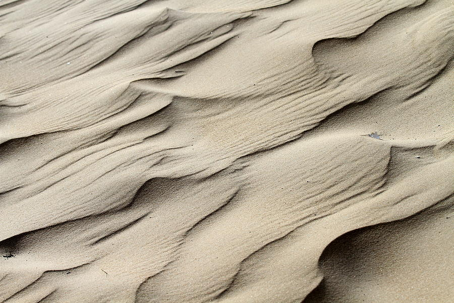 Abstract Photograph - Abstract Sand 7 by Arie Arik Chen