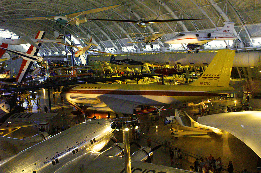Air Space Museum Photograph - Air Traffic by Pablo Rosales