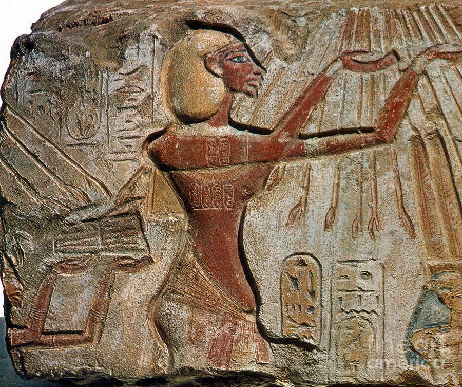 Archeology Photograph - Akhenaten, New Kingdom Egyptian Pharaoh by Science Source