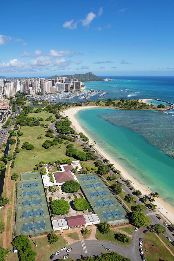 Ala Moana Beach Park, Honolulu, Oahu by Douglas Peebles