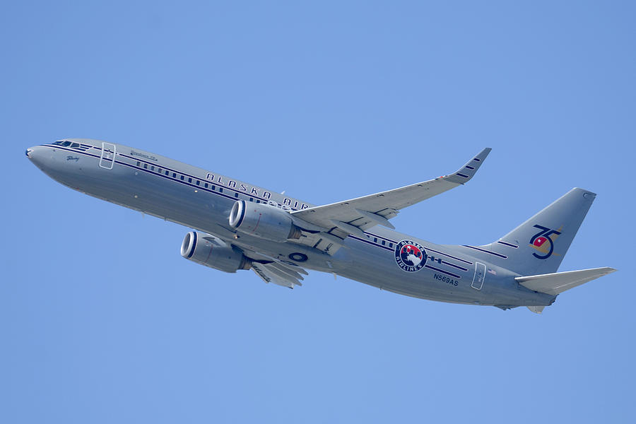 Airplane Photograph - Alaska Boeing 737-890 N569as Los Angeles International Airport August 20 2013 by Brian Lockett