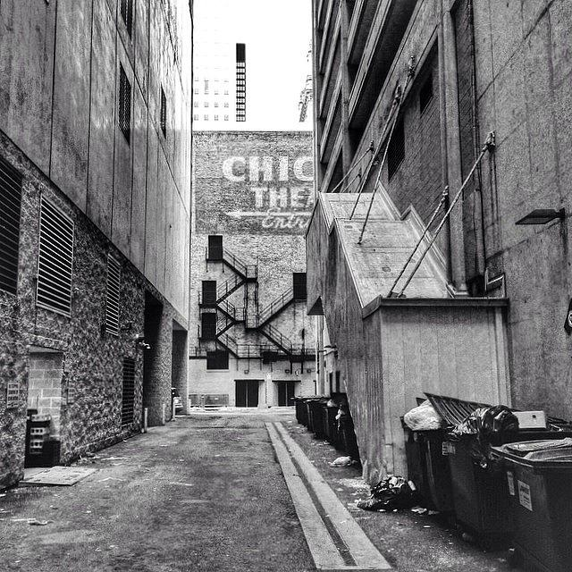 Hdr Photograph - Alley By The Chicago Theatre #chicago by Paul Velgos