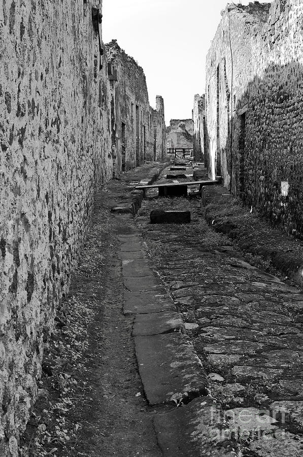 Pompeii Photograph - Alleyway by Marion Galt