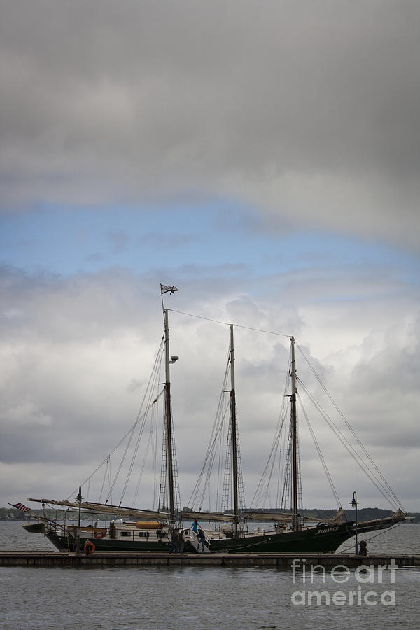 Yorktown Photograph - Alliance Charter Schooner by Teresa Mucha