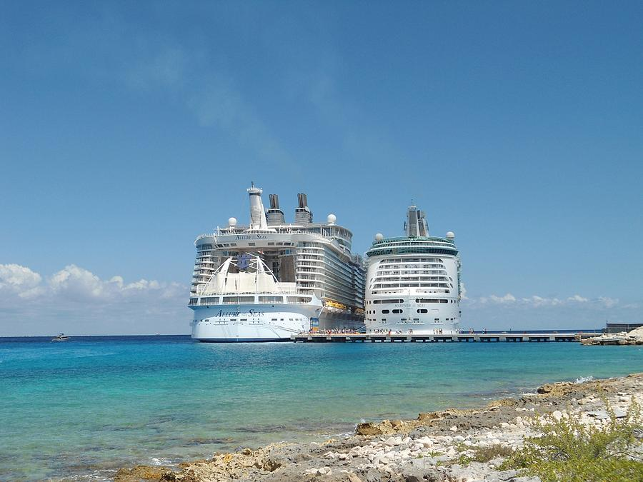 Allure Of The Seas And Mariner Of The Seas Side By Side ... Oasis Of The Seas Comparison