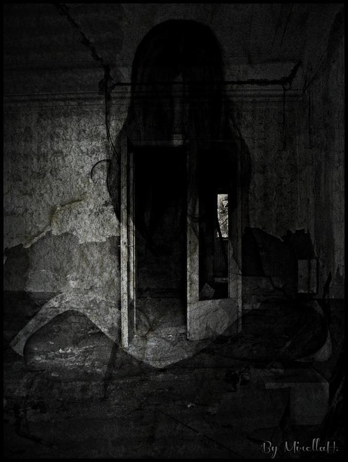 Alone... Digital Art by Mirella Hrvacanin