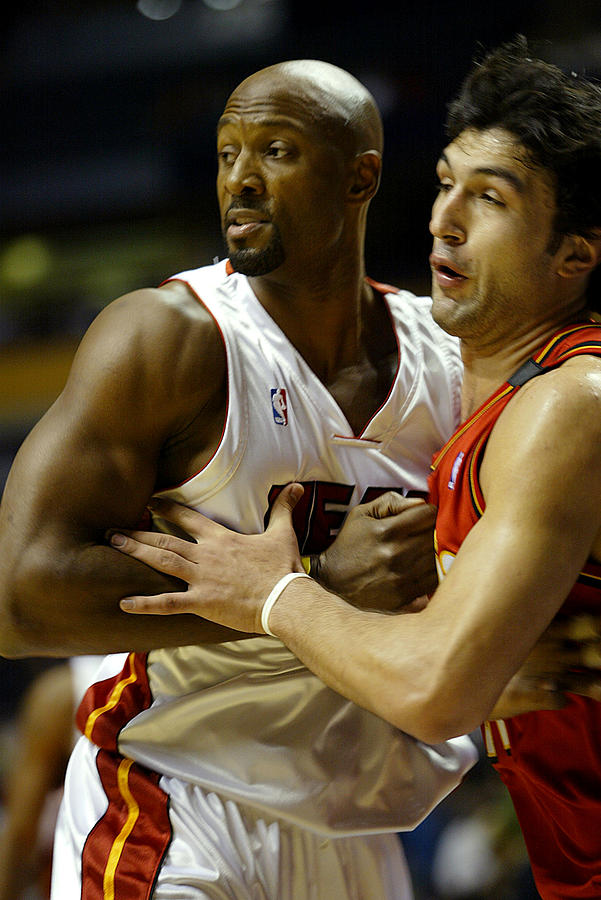 Alonzo Mourning Photograph - Alonzo Mourning by Don Olea