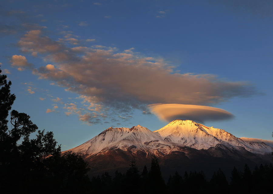 Black And White Photograph - Alpenglow Lenticular by Jeff Leland
