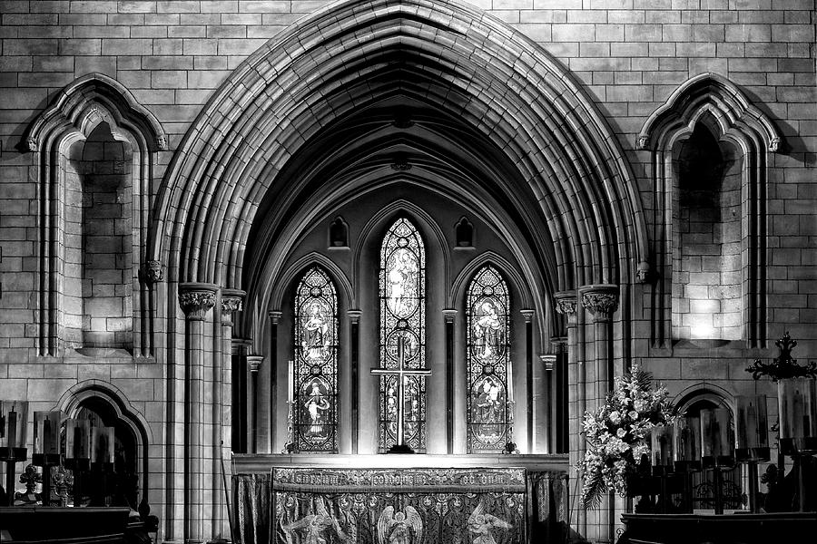 Altar at St Patricks Cathedral - Close Up by Photography  By Sai