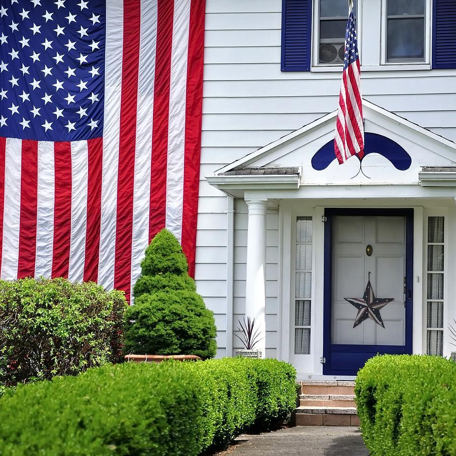 American Home 25515 Photograph
