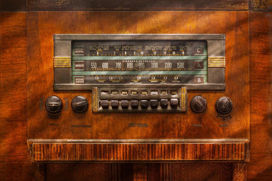 Savad Photograph - Americana - Radio - Remember What Radio Was Like by Mike Savad