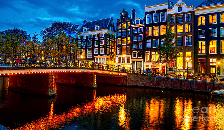Amsterdam Photograph - Amsterdam At Night Iv by Lilianna Sokolowska