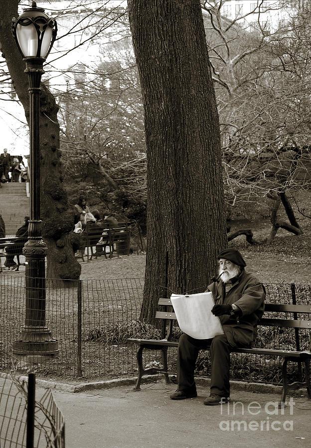 Artist Photograph - An artist in Central Park by RicardMN Photography