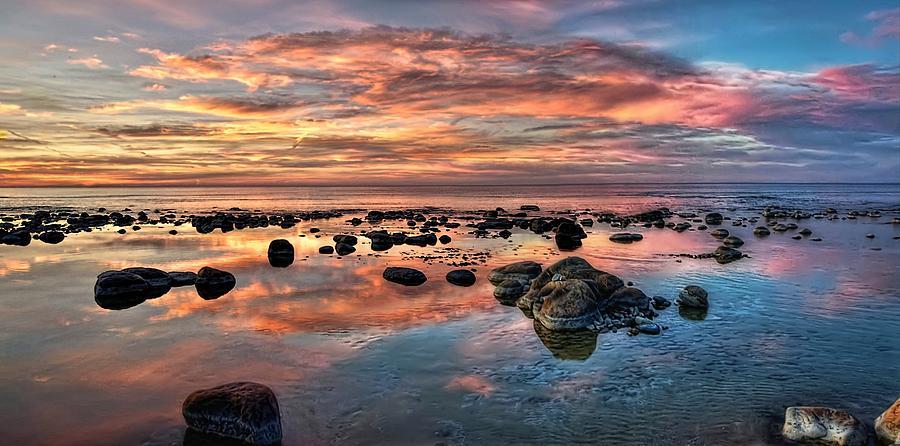 Sky Digital Art - An evening at the beach by Jeff S PhotoArt