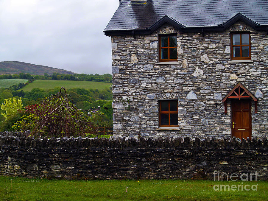 An Irish Cottage Photograph By Patricia Griffin Brett