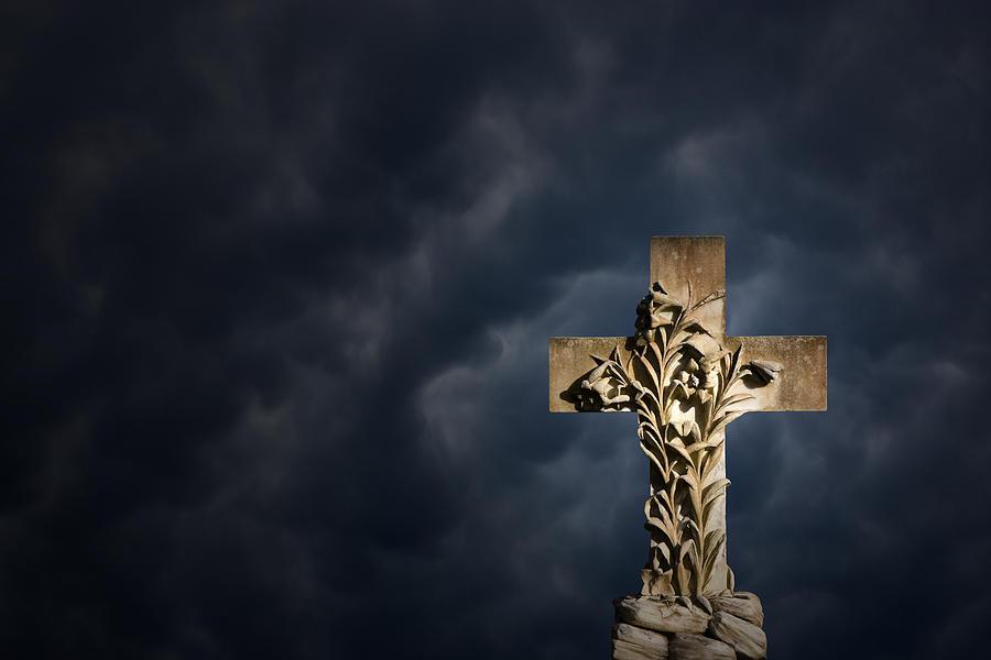 Cross Photograph - An Irish Cross by Jim Zuckerman
