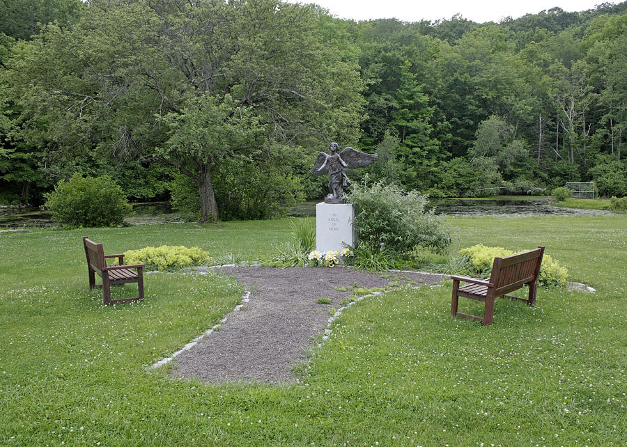 Memorial Photograph - Angel Of Hope At The Putnam County Veteran Memorial Park by James Connor