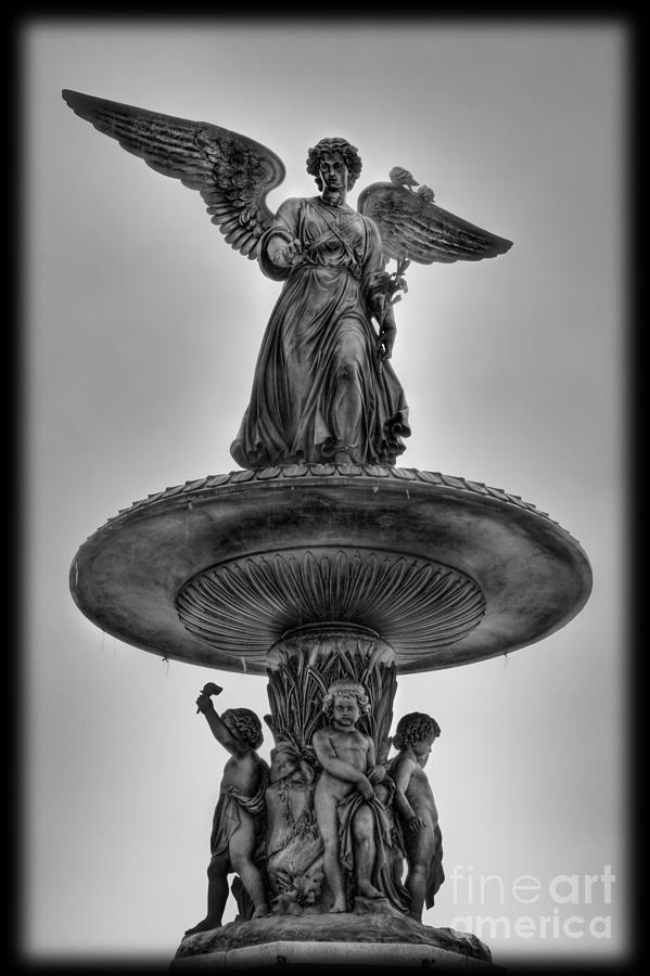 Bethesda Terrace Photograph - Angel Of The Waters Fountain - Bethesda Iv by Lee Dos Santos