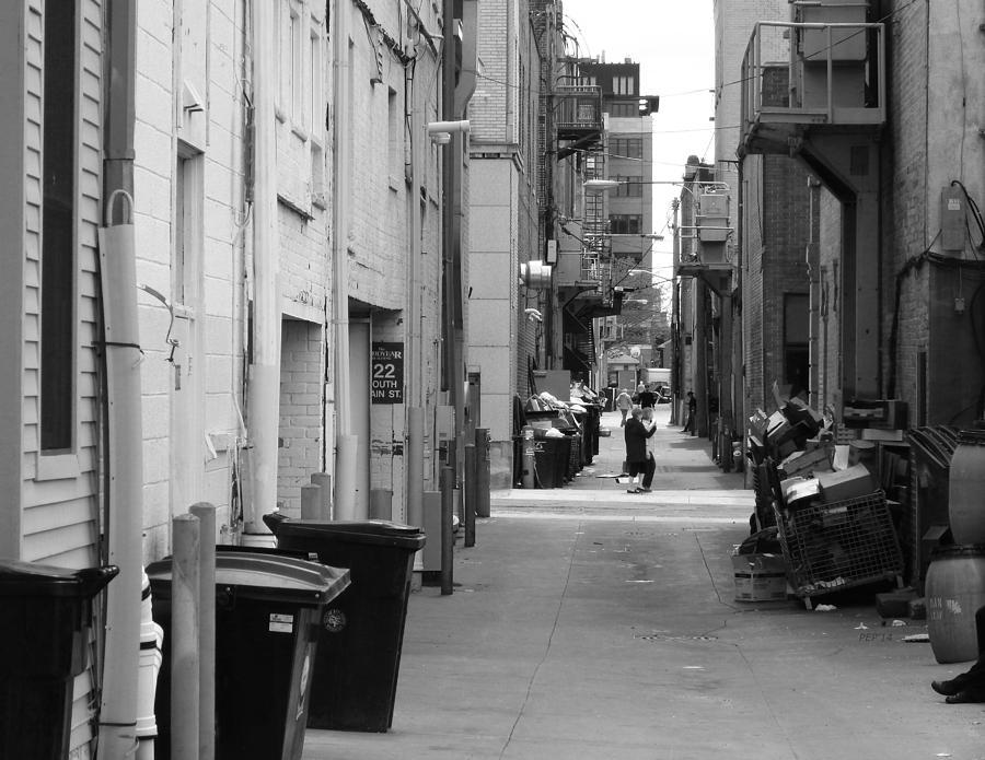 Ann Arbor Photograph - Ann Arbor Alley by Phil Perkins