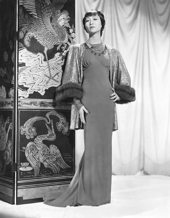 1930s Fashion Photograph - Anna May Wong In An Edith Head-designed by Everett