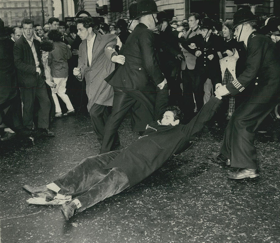Retro Photograph - Anti - Bomb Demonstration In Trafalgar Square Goes by Retro Images Archive