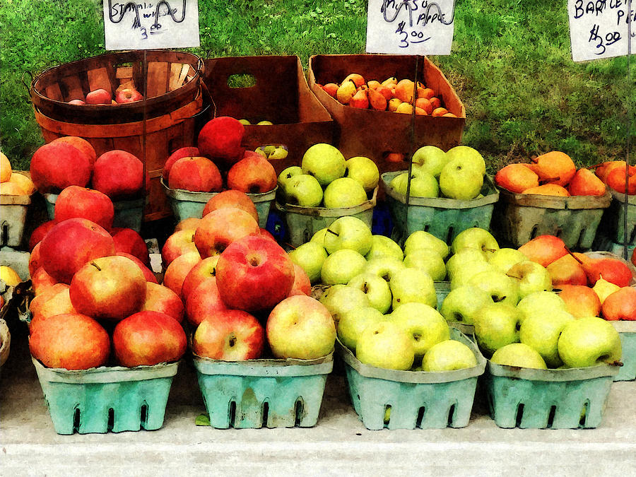 Apple Photograph - Apples At Farmers Market by Susan Savad