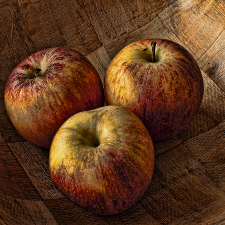 Dieting Photograph - Apples by Steve Purnell