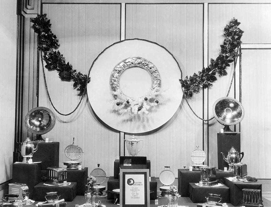 1920s Photograph - Appliances Window Display by Underwood Archives