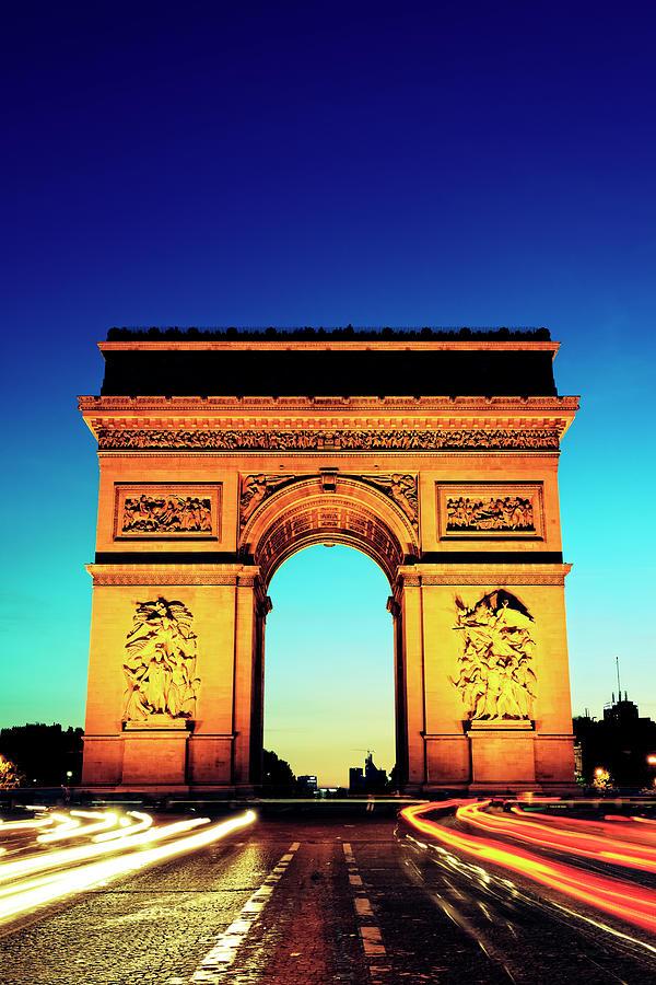 Arc De Triomphe, Paris, France Photograph by Espiegle
