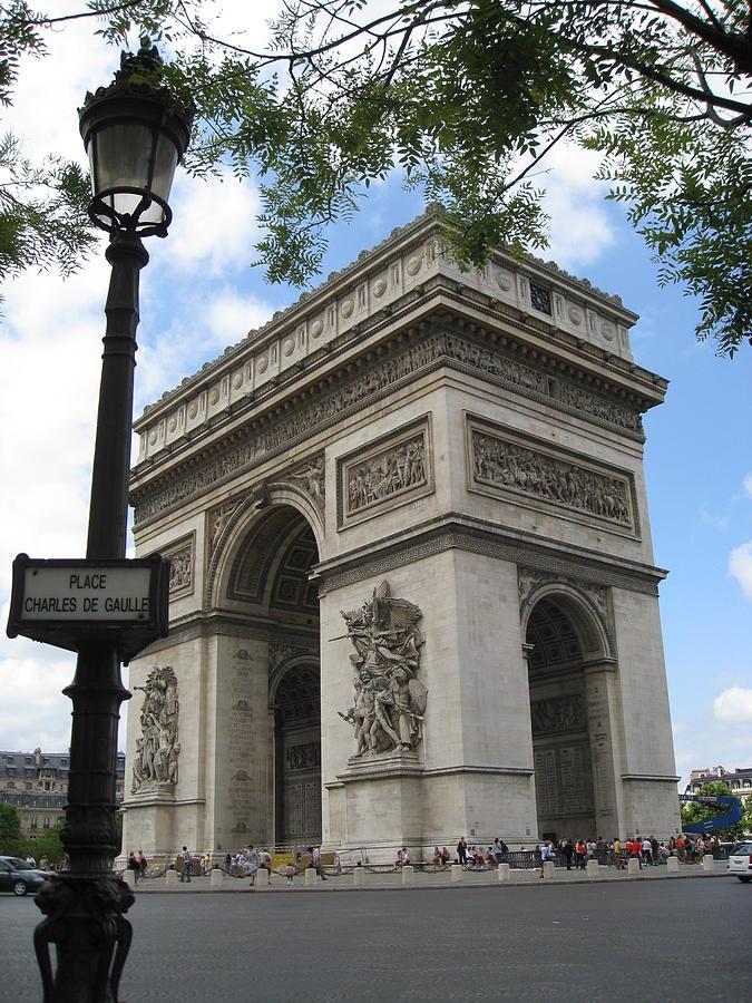 Arc De Triomphe Photograph - Arc De Triomphe by Stephanie Hunter
