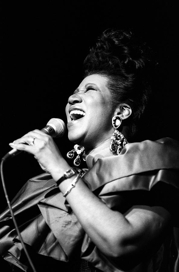 Aretha Franklin In Concert Photograph by Al Pereira