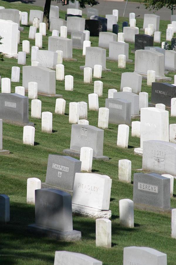 Arlington Photograph - Arlington National Cemetery - 12122 by DC Photographer