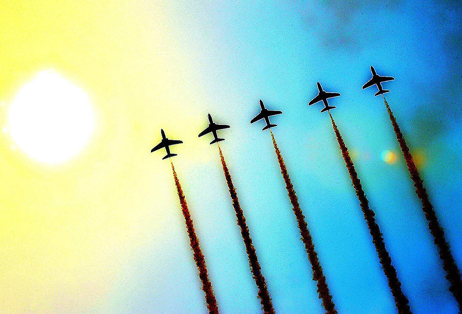 Sun Photograph - Arrows by Stephen Richards