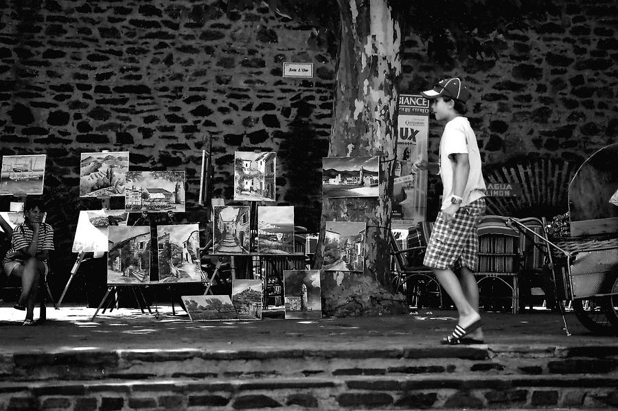 France Photograph - Art Walk - Bw by Carrie Warlaumont