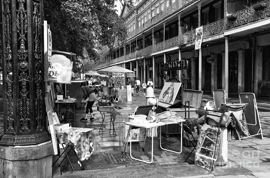 Jackson Square Photograph - Artists In The Square Mono by John Rizzuto