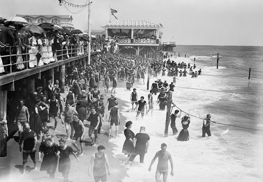 asbury Park Photograph - Asbury Park - New Jersey - 1908 by Daniel Hagerman