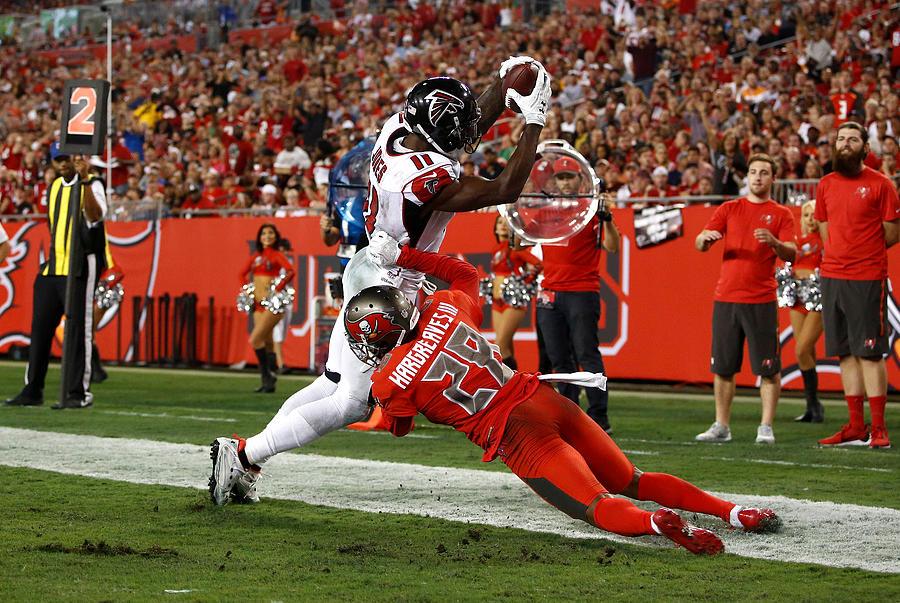 Atlanta Falcons v Tampa Bay Buccaneers Photograph by Brian Blanco