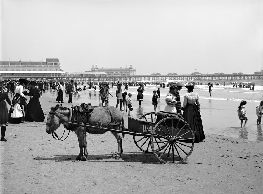 1890 Photograph - Atlantic City Beach, C1901 by Granger