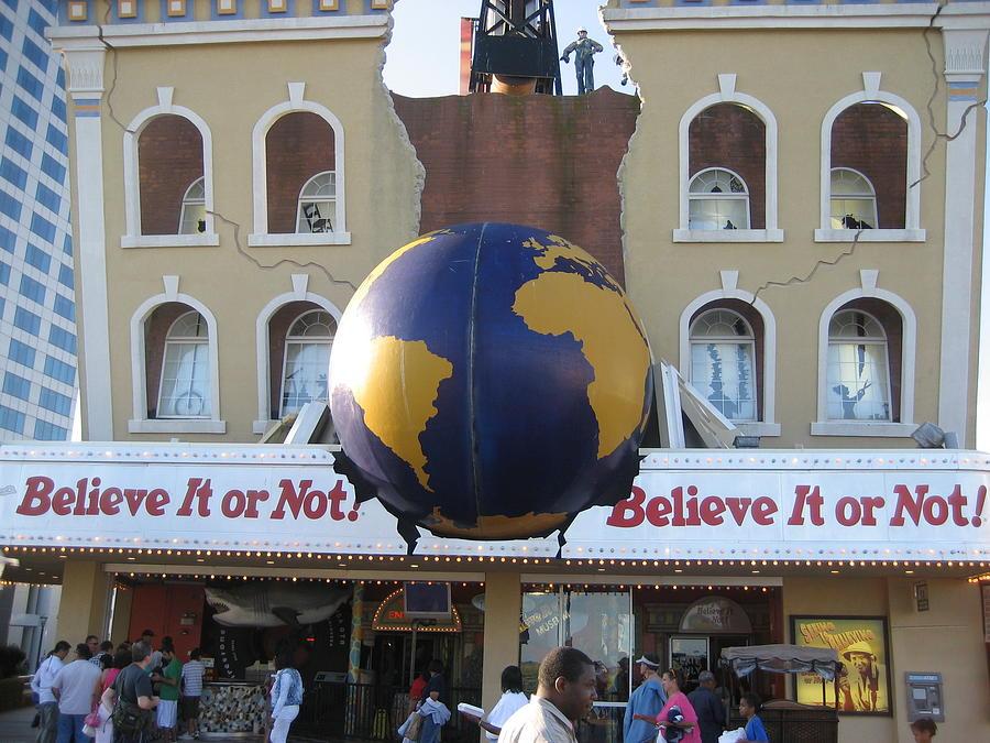 Atlantic Photograph - Atlantic City - Ripleys Believe It Or Not - 12129 by DC Photographer