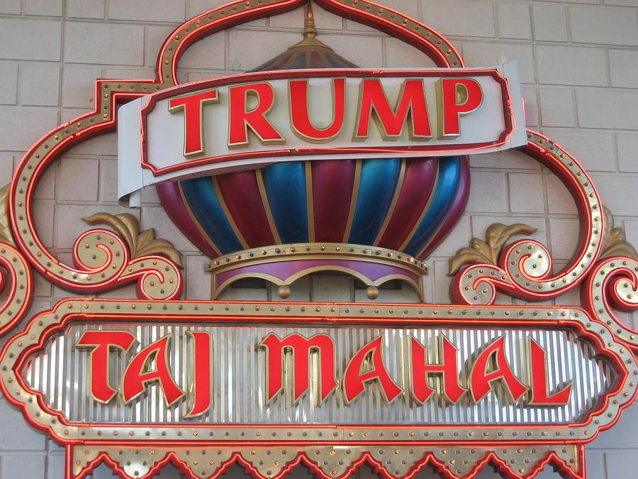 Atlantic Photograph - Atlantic City - Trump Taj Mahal Casino - 12121 by DC Photographer