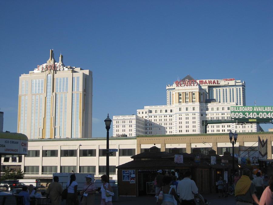 Atlantic Photograph - Atlantic City - Trump Taj Mahal Casino - 12123 by DC Photographer