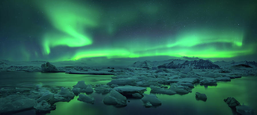 Horizontal Photograph - Aurora Borealis Above Jokulsarlon by Panoramic Images