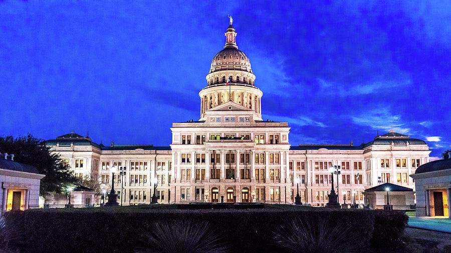 Horizontal Photograph - Austin State Capitol Building, Texas - by Panoramic Images