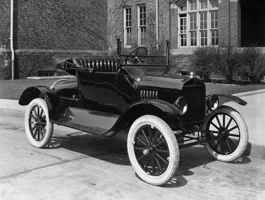 1921 Photograph - Automobile, 1921 by Granger