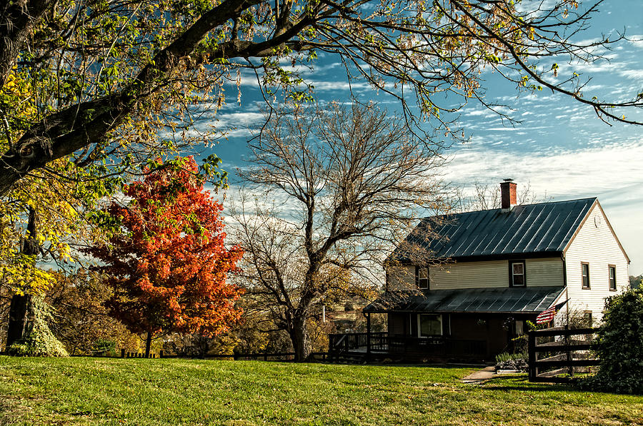 Autumn In The Shenandoah Valley Photograph - Autumn Farm House by Lara Ellis