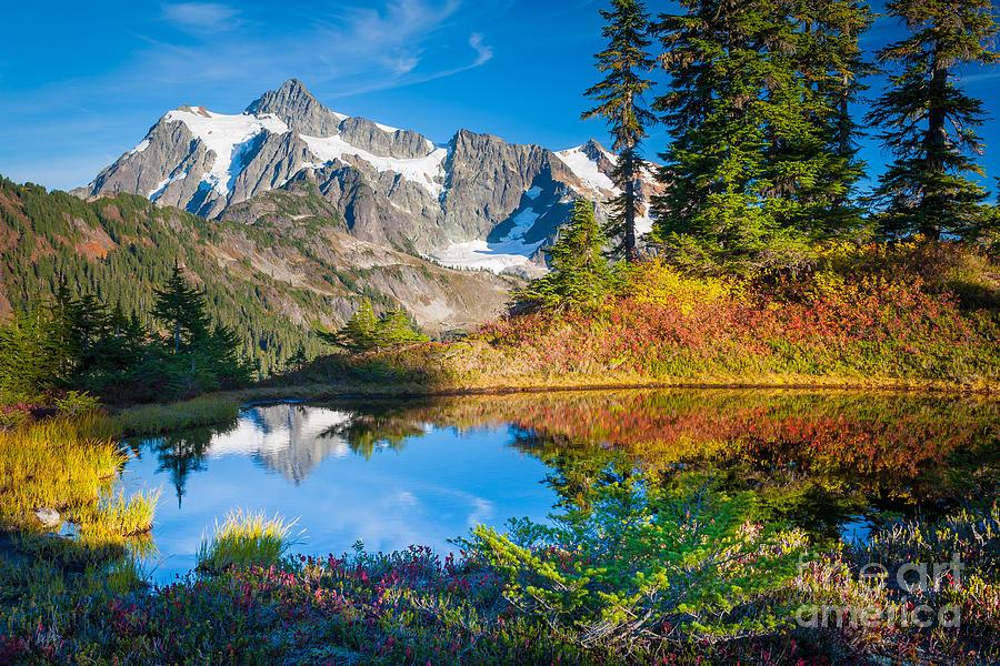 America Photograph - Autumn Tarn by Inge Johnsson