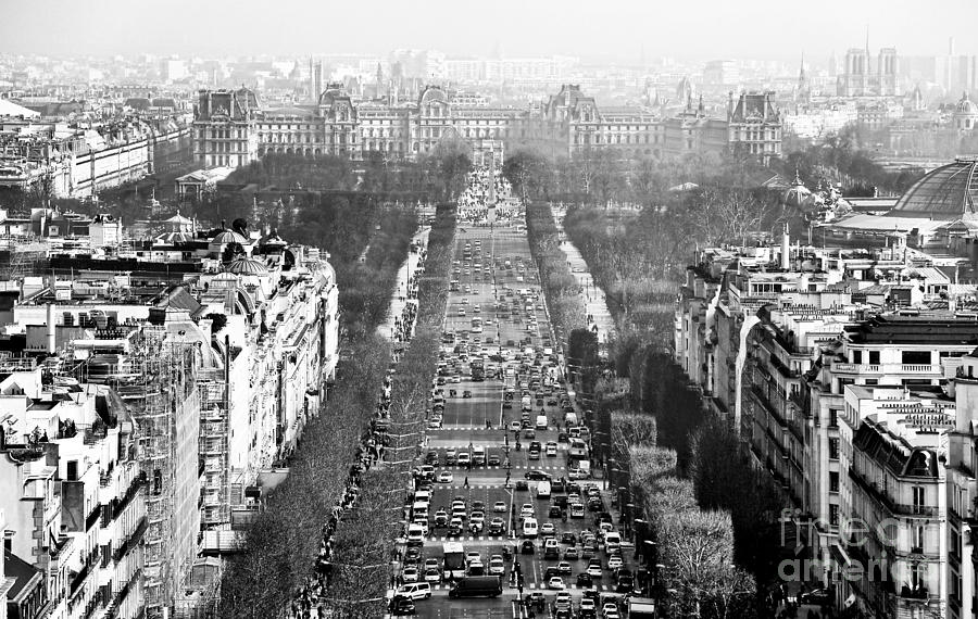 Champs Elysees Photograph - Avenue Des Champs-elysees by John Rizzuto