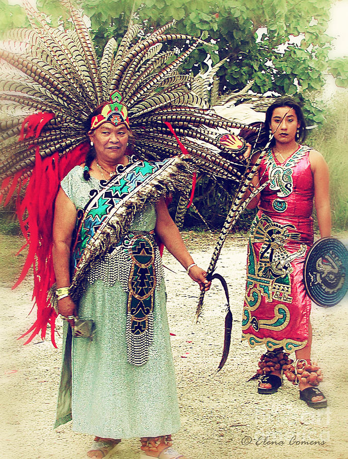ancient aztec clothing - 683×900
